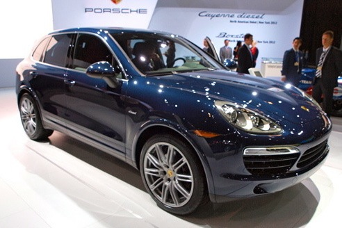 2013 Porsche Cayenne Diesel: New York Auto Show featured image large thumb0