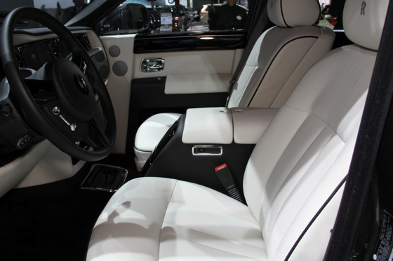2013 Rolls-Royce Phantom Series II: New York Auto Show featured image large thumb32