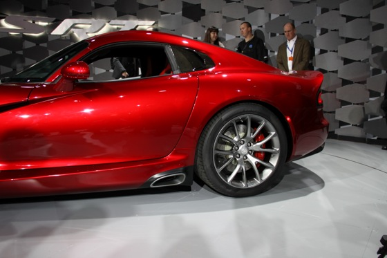 2013 SRT Viper: New York Auto Show featured image large thumb5