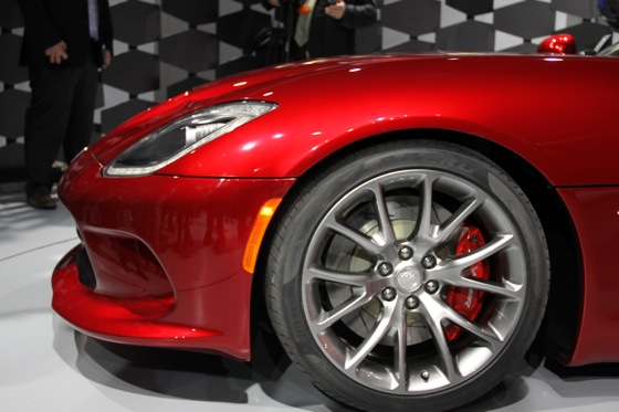 2013 SRT Viper: New York Auto Show featured image large thumb21