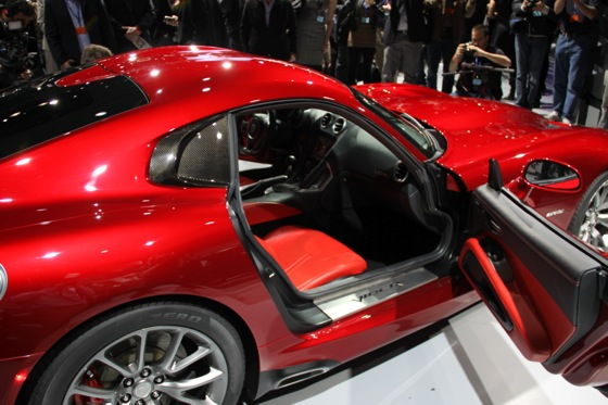 2013 SRT Viper: New York Auto Show featured image large thumb26