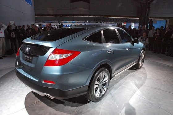 2013 Honda Crosstour Concept: New York Auto Show featured image large thumb7