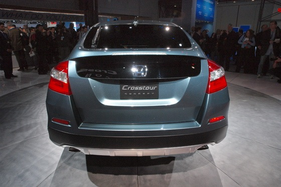 2013 Honda Crosstour Concept: New York Auto Show featured image large thumb11