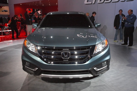 2013 Honda Crosstour Concept: New York Auto Show featured image large thumb18