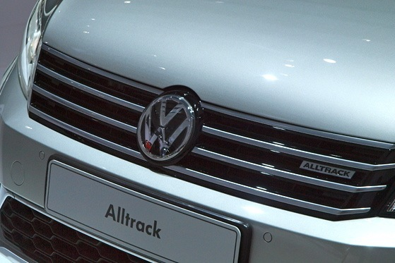 Volkswagen Alltrack Concept: New York Auto Show featured image large thumb7