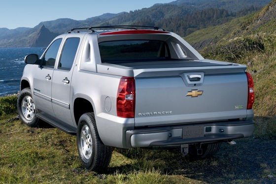 2012 Chevrolet Avalanche: New Car Review featured image large thumb1