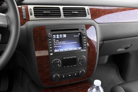 2012 Chevrolet Avalanche: New Car Review featured image large thumb3