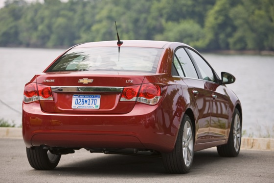 2012 Chevrolet Cruze: New Car Review featured image large thumb5