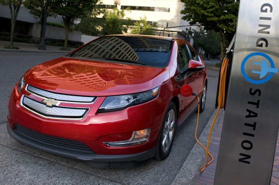 2013 Chevrolet Volt: New Car Review featured image large thumb1