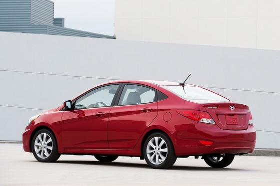 2012 Hyundai Accent: New Car Review featured image large thumb1