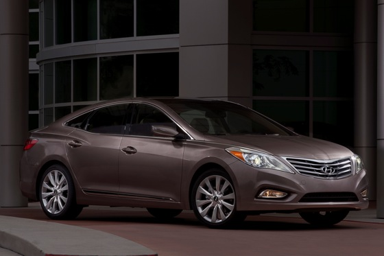 2012 Hyundai Azera: New Car Review featured image large thumb3
