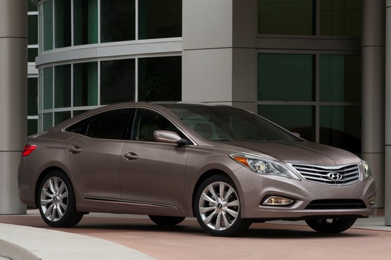 2012 Hyundai Azera: New Car Review featured image large thumb4