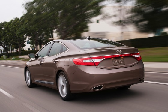 2012 Hyundai Azera: New Car Review featured image large thumb5