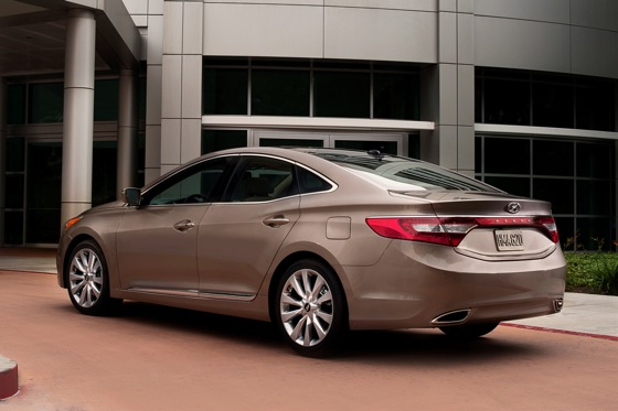 2012 Hyundai Azera: New Car Review featured image large thumb6