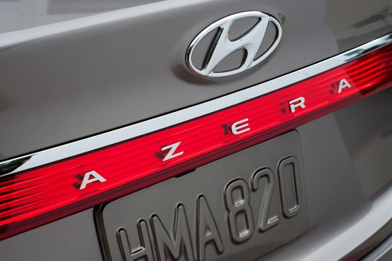 2012 Hyundai Azera: New Car Review featured image large thumb9