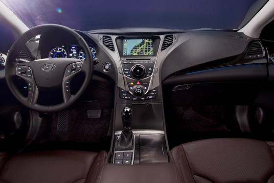 2012 Hyundai Azera: New Car Review featured image large thumb10