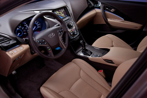 2012 Hyundai Azera: New Car Review featured image large thumb11