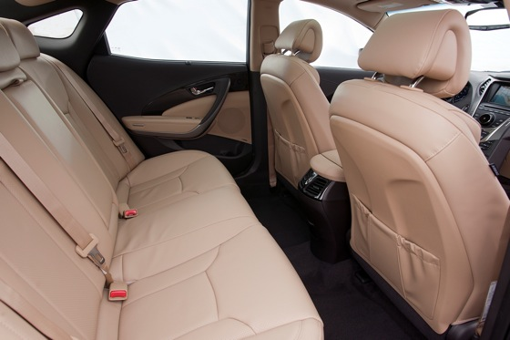 2012 Hyundai Azera: New Car Review featured image large thumb15