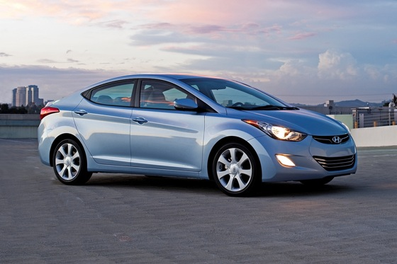 2012 Hyundai Elantra: New Car Review featured image large thumb4