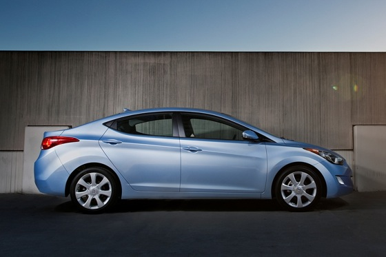 2012 Hyundai Elantra: New Car Review featured image large thumb6