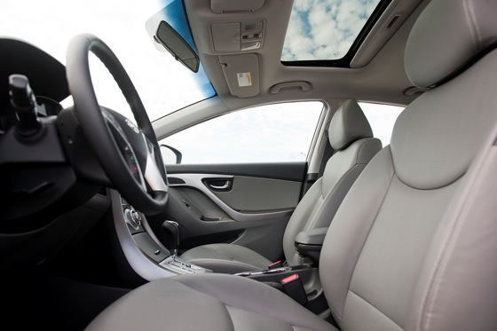 2012 Hyundai Elantra: New Car Review featured image large thumb12