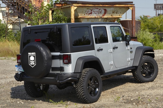 2013 Jeep Wrangler: New Car Review featured image large thumb3