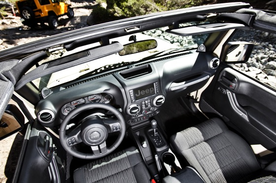 2013 Jeep Wrangler: New Car Review featured image large thumb6