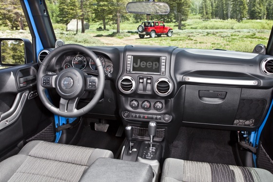 2013 Jeep Wrangler: New Car Review featured image large thumb7