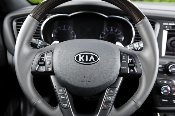2012 Kia Optima SXL: First Drive featured image large thumb19