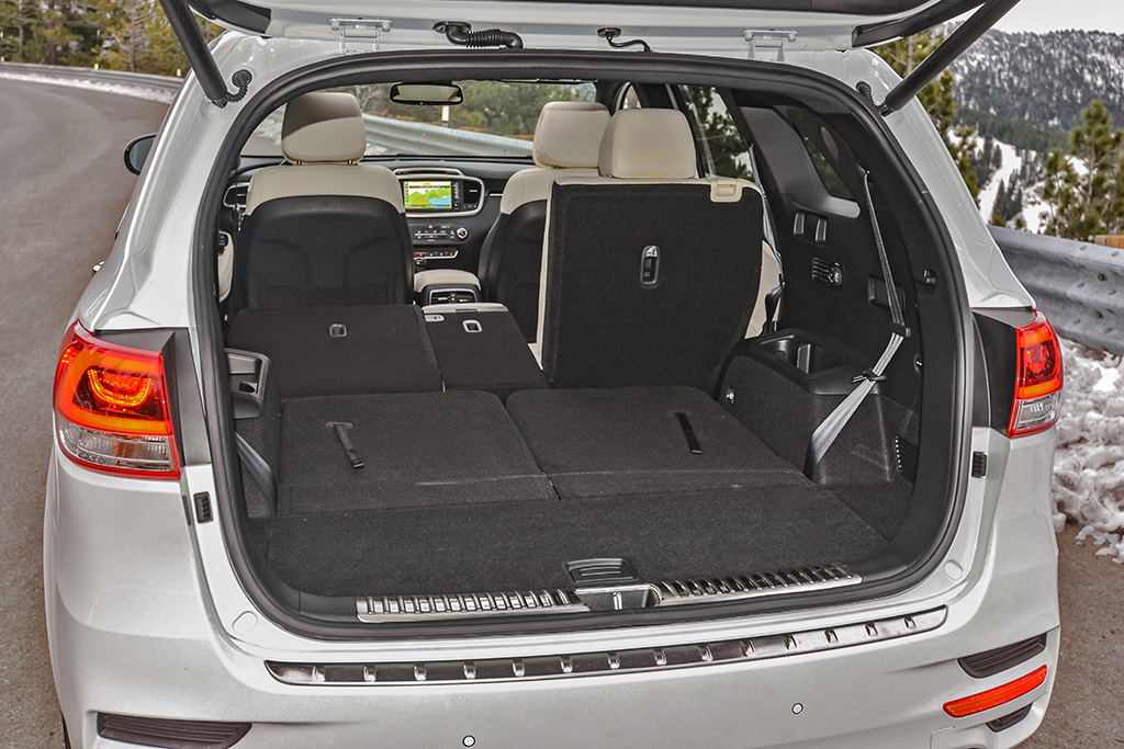 2018 Kia Sorento rear bay