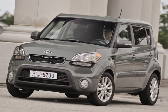 2013 Kia Soul: New Car Review featured image large thumb22