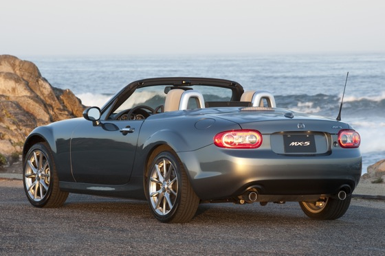 2013 Mazda MX-5 Miata: New Car Review featured image large thumb3