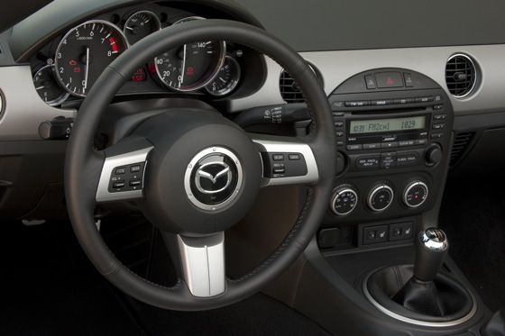 2013 Mazda MX-5 Miata: New Car Review featured image large thumb7