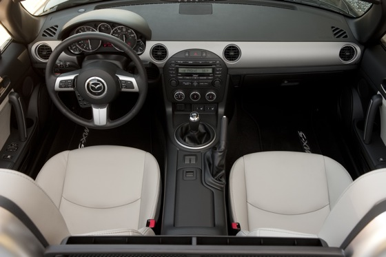 2013 Mazda MX-5 Miata: New Car Review featured image large thumb10