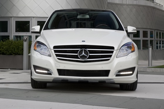 2012 Mercedes-Benz R-Class: New Car Review featured image large thumb0
