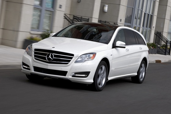 2012 Mercedes-Benz R-Class: New Car Review featured image large thumb4