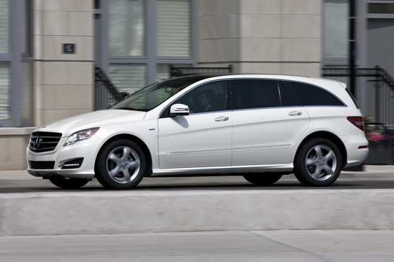 2012 Mercedes-Benz R-Class: New Car Review featured image large thumb6
