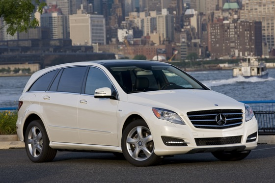 2012 Mercedes-Benz R-Class: New Car Review featured image large thumb9