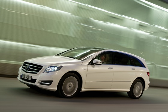 2012 Mercedes-Benz R-Class: New Car Review featured image large thumb10