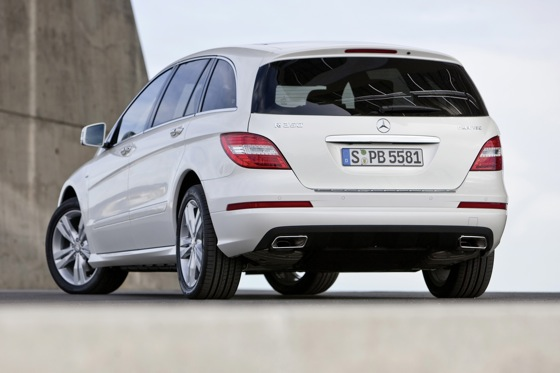 2012 Mercedes-Benz R-Class: New Car Review featured image large thumb13