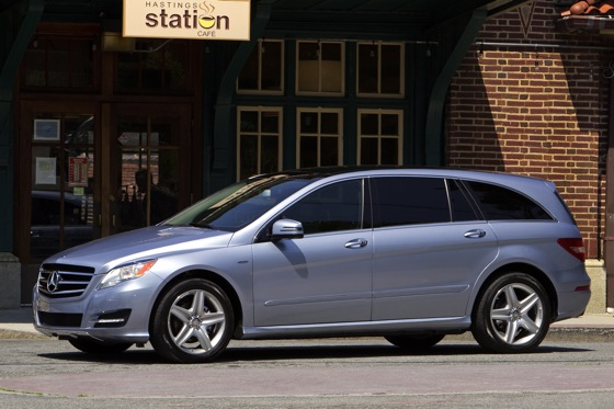 2012 Mercedes-Benz R-Class: New Car Review featured image large thumb18