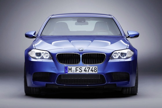 First Drive: 2013 BMW M5 featured image large thumb3