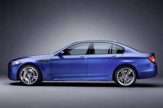 First Drive: 2013 BMW M5 featured image large thumb2