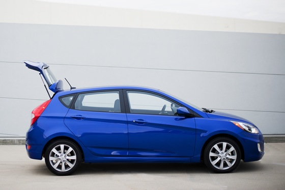 2012 Hyundai Accent: First Drive featured image large thumb10