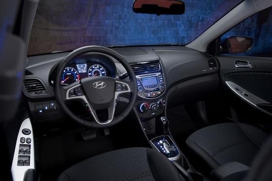 2012 Hyundai Accent: First Drive featured image large thumb30