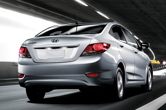 2012 Hyundai Accent: First Drive featured image large thumb25