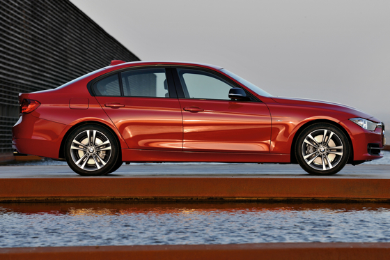 BMW Introduces Sixth-Generation 3 Series Sedan featured image large thumb6