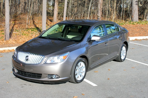 2013 Buick LaCrosse: New Car Review featured image large thumb3