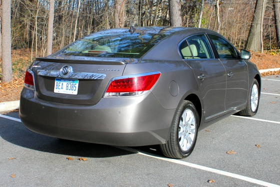 2013 Buick LaCrosse: New Car Review featured image large thumb7
