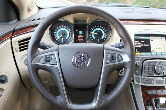 2013 Buick LaCrosse: New Car Review featured image large thumb12